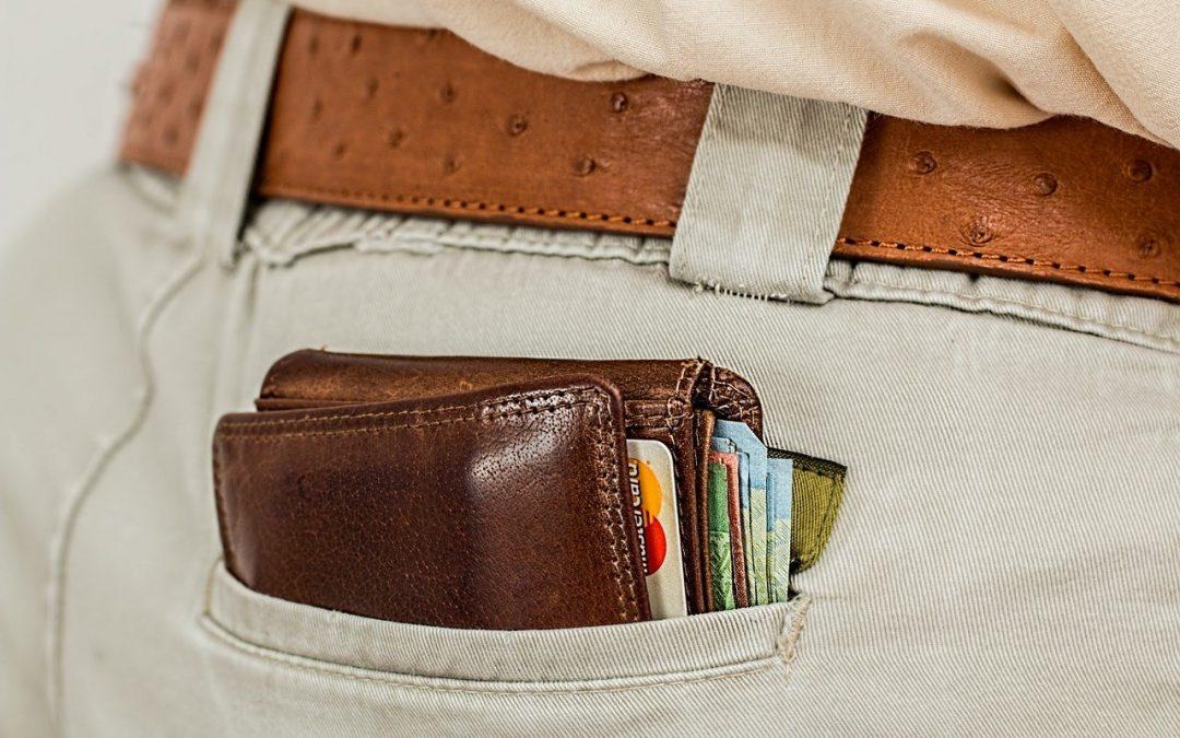 Comment dépenser son argent judicieusement : 4 habitudes à surveiller